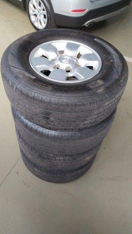 rodas hilux 2006 aro 15 com pneus  - Foto 2
