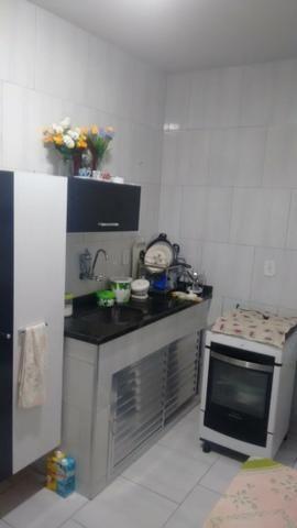 Excelente casa com sala 02 dormitórios condições de ampliar - Foto 9