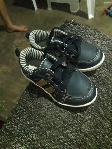 Sapato infantil semi novo