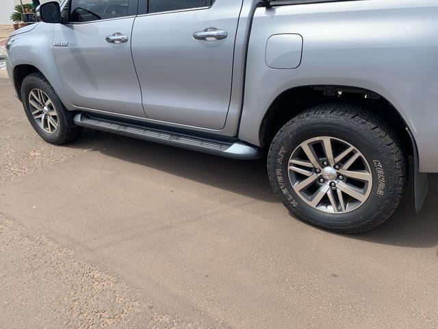 Rodas aro 18 Hilux SRX com pneus - Foto 4