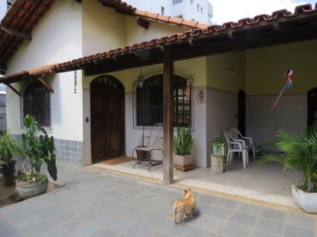 Casa linear com 5 qts, 2suítes, 2vgs