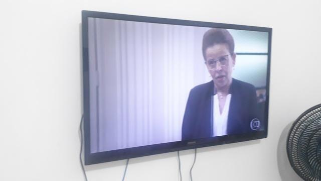 """TV Philips LED 43""""- não é smartv"""