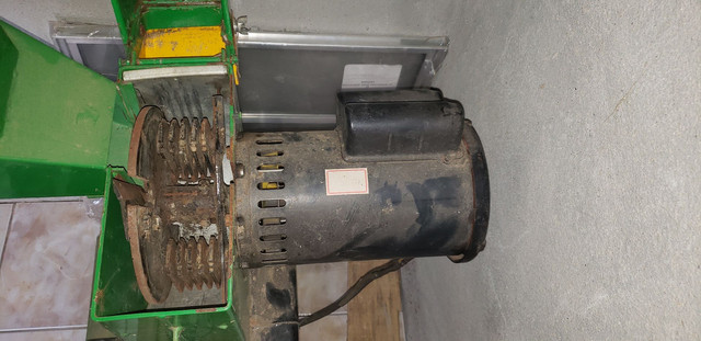 ACEITO OFERTAS!!Vendo triturador de capim  - Foto 2