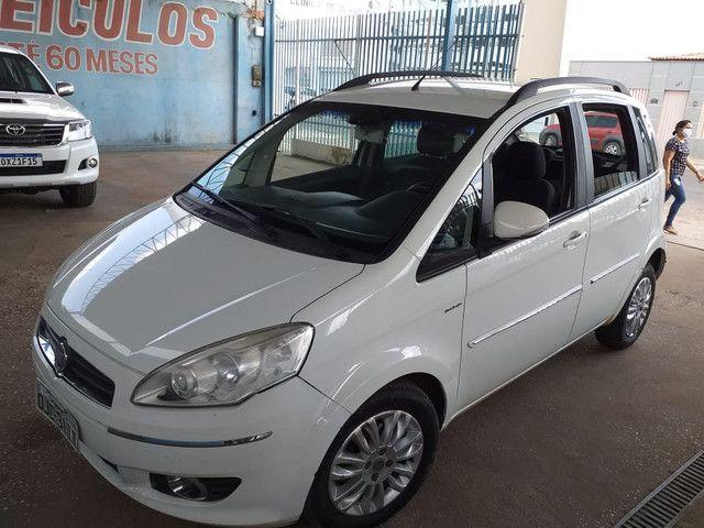 Vende-se: Fiat Idea Essence Dualogic 1.6 - Foto 2