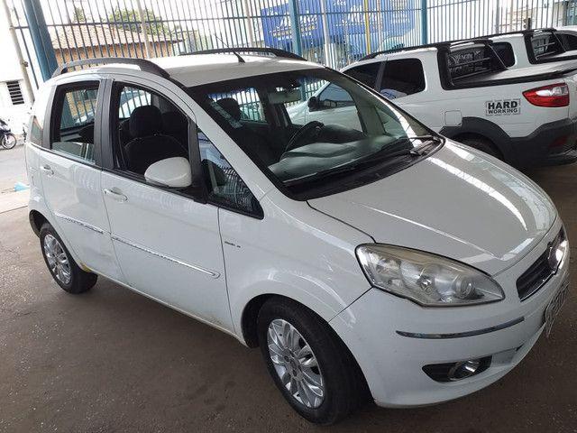 Vende-se: Fiat Idea Essence Dualogic 1.6
