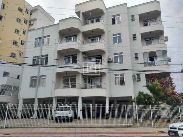Apartamento para alugar com 3 dormitórios em Estreito, Florianópolis cod:4118