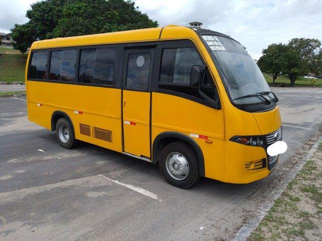 Micro ônibus volare v8 on com ar condicionado  - Foto 2