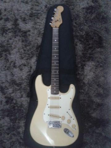 Squire by Fender 1.991. Stratocaster Relíquia