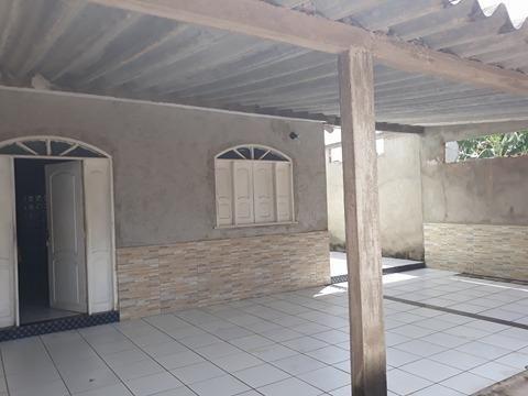 Alugo casa na rua principal do Aeroporto Velho