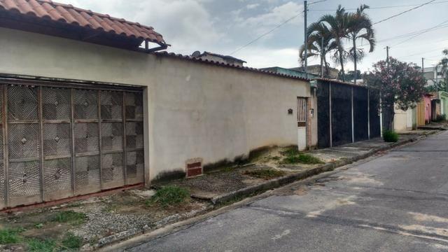 Casa em lote inteiro no bairro Jardim das Alterosas 1a seçao- Na rua Melindre