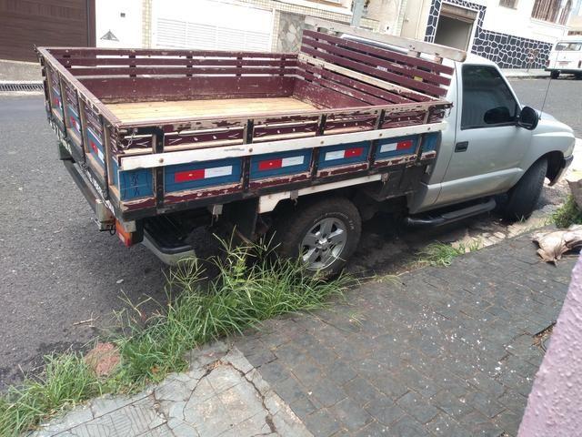 Vendo carroceria de madeira para S10