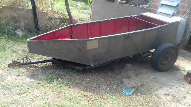 Canoa de zinco com carretinha