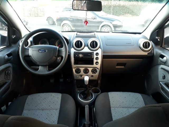 Ford - Fiesta 1.6 8v Class Flex - Foto 8