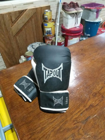 Luva tapout