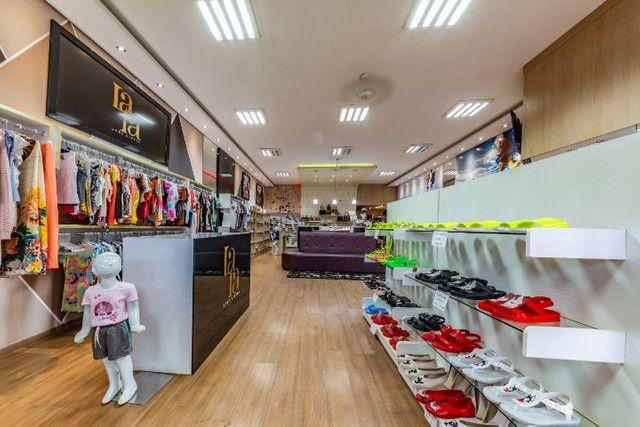 Vendo loja de calçados e confecção linda e rentável