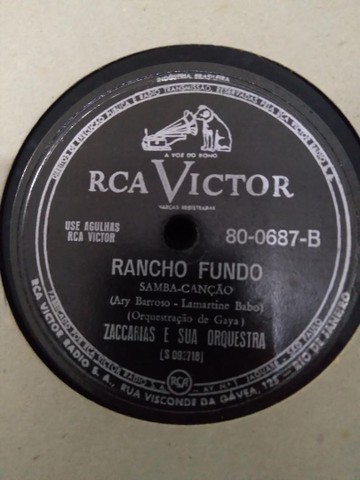 3 álbuns com 32 discos de 72 rotações em Carnaúba - Samba, Bolero, Frevo, Choro e etc.