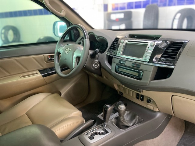 Hilux SW4 SRV D4-D 4x4 3.0 TDI diesel aut.  7 LUGARES 2013 BLINDADO - Foto 9