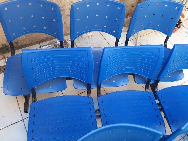 Longarina Plástica 03 Lugares - Cor Azul - Foto 5