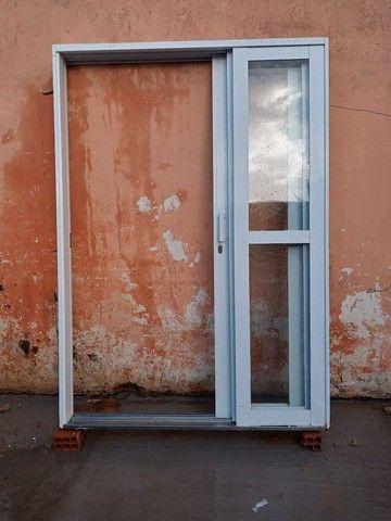 Porta de ferro com vidro - Foto 4