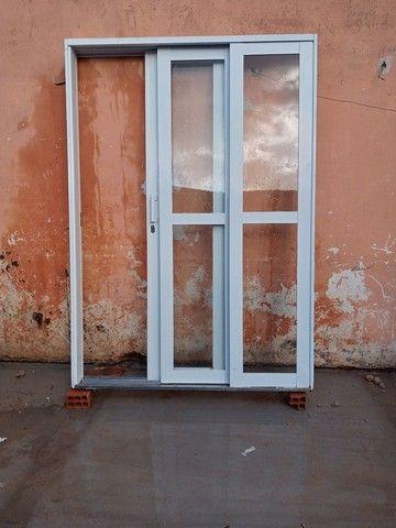Porta de ferro com vidro - Foto 3