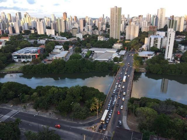 Cobertura de 3 quartos com 71 m2 na Torre com vista definitiva para a Beira Rio
