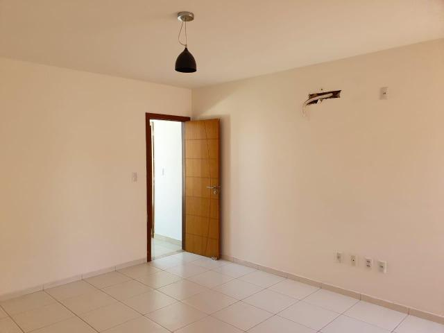 Casa Duplex no condomínio Leblon portaria 24hrs - Foto 7