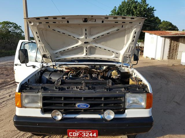 Vende-se F4000 Ano 96 Motor MWM - Foto 5