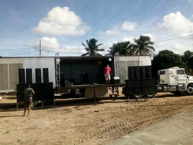 Locação de trio eletrico e palco móvel - Foto 3