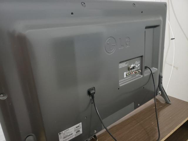 "Smart tv 42"" LG . Smart controle"
