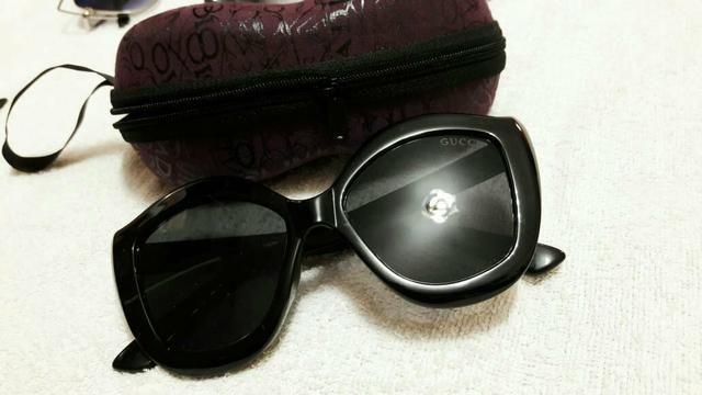 Óculos de Sol Gucci (acompanha estojo) - Bijouterias, relógios e ... 2534d7a41c