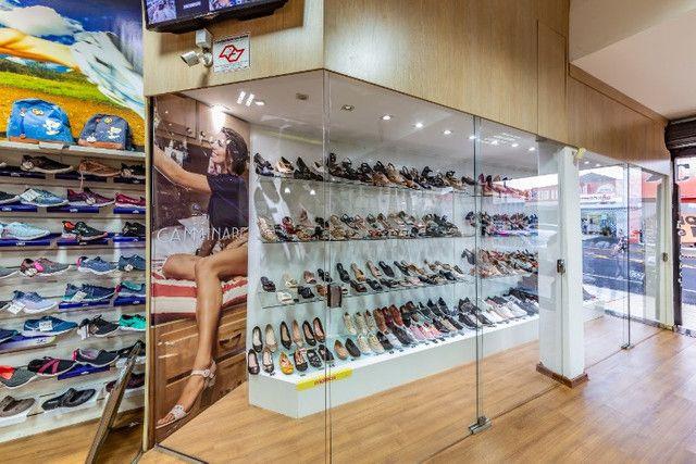 Vendo loja de calçados e confecção linda e rentável - Foto 2