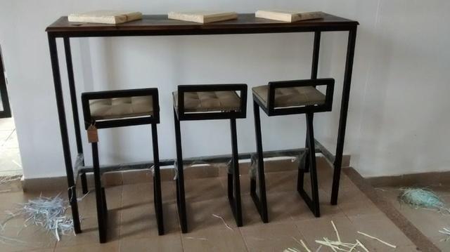 Mesa alta com 3 banquetas - Foto 2