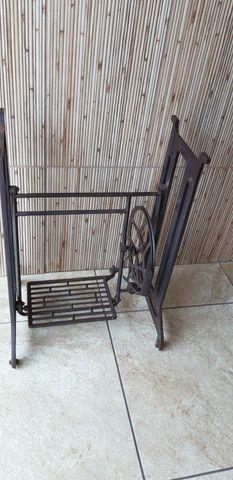 Pe de ferro máquina de costura  - Foto 3