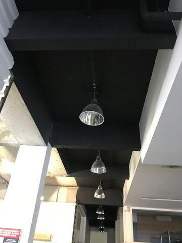 Luminarias industriais de teto tipo meia lua toda em aluminio semi novas