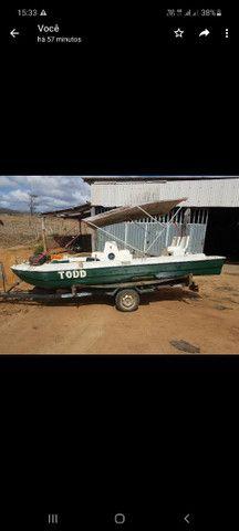 Catamarã de fibra com carreta e motor - Foto 3