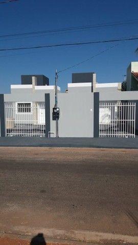 Casa no Bairro Nova Era . 1 quadra da avenida .