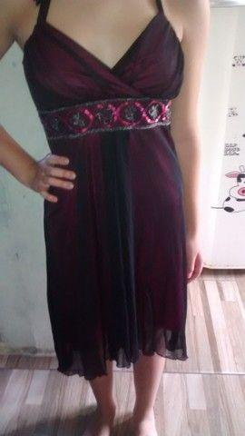 Vestido preto com forro rosa - Foto 2