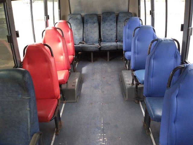 Micro ônibus volare v8 on com ar condicionado  - Foto 5