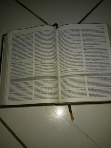 Biblia de estudo - Foto 5