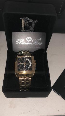 Relógios e óculos originais