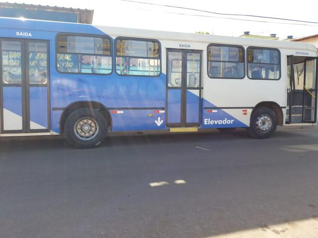 Ônibus urbano 2006 - Foto 2