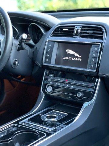 JAGUAR XE R-Sport Revisado em concessionária sem retoques de pintura baixa km impecável  - Foto 9