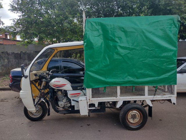 Triciclo motocar