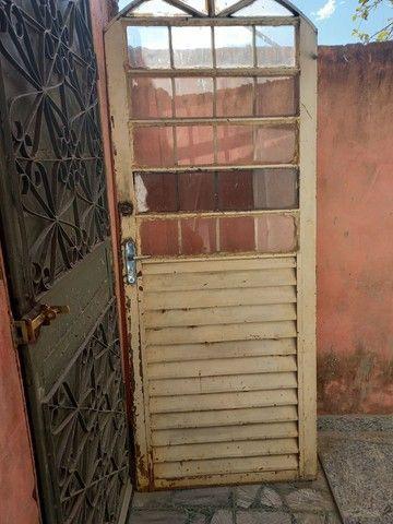 Porta de ferro com metade   de  vidros - Foto 2