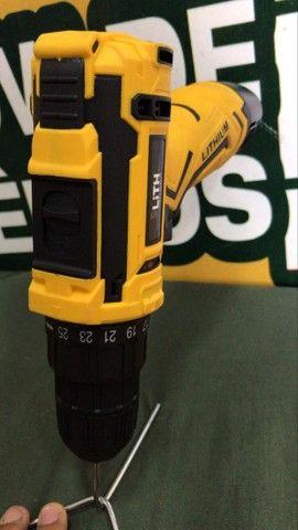 ( novo ) parafusadeira furadeira à bateria lith 12v 26 torques  - Foto 5