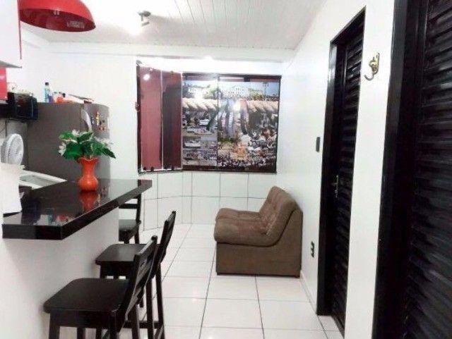 Ed. Solar dos Caripunas, apartamento com dois quartos, uma vaga, na Caripunas.