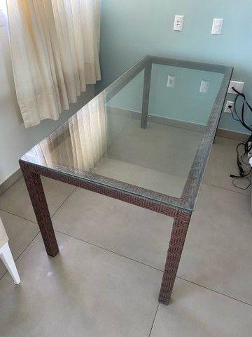 Mesa com tampo de vidro 2 m