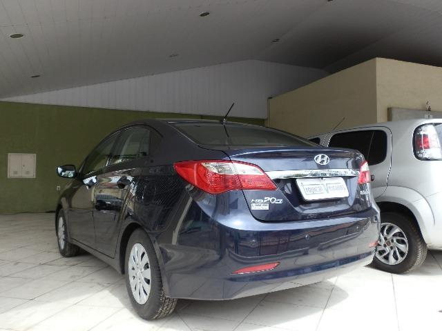 Hyundai Hb20s 2014 com multimidia