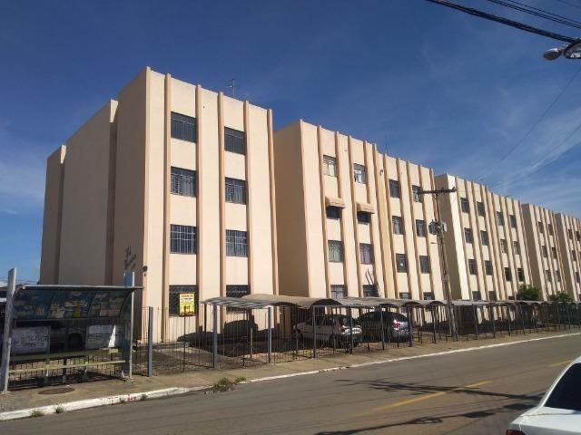 O maior apartamento de 2 quartos da Vila Jaraguá - Edifício Escócia