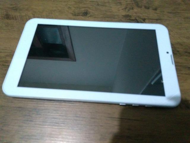 Tablet Multilaser Modelo M9 tamanho 24x14